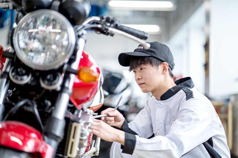 一級自動車研究開発学科 若松 龍生